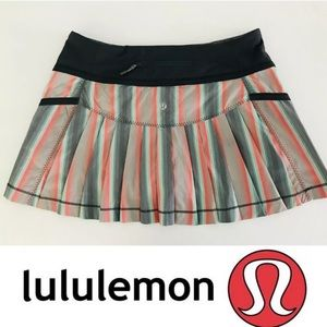 Lululemon run Skort pleated striped